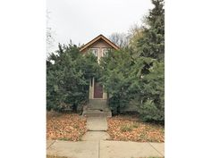 1019 26th Ave SE, Minneapolis, MN 55414. 5 bed, 2 bath, $199,000. Priced to sell duple...