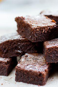 Blondie Brownies, Chocolate Cookies, High Tea, Blondies, Sweet Treats, Deserts, Pie, Tasty, Sweets