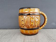 Boutique Etsy, Thanksgiving Recipes, Etsy Vintage, Mugs, Drinks, Tableware, Shop, Beer Stein, Cave