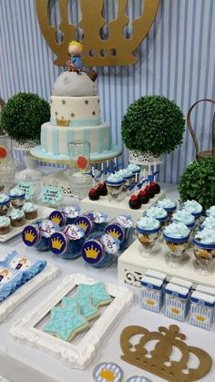 Blue and gold Little Prince birthday party! See more party ideas at… Prince Birthday Party, 1st Boy Birthday, Boy Birthday Parties, Baby Shower Themes, Baby Shower Decorations, Princesse Party, Little Prince Party, Royal Baby Showers, Shower Party
