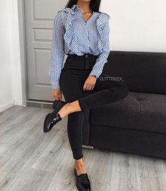 Lass dich inspirieren Business Outfit Damen Classy rokleidung roOutfit Source by outfits Casual Work Outfits, Mode Outfits, Work Attire, Office Outfits, Work Casual, Classy Outfits, Trendy Outfits, Fashion Outfits, Office Attire