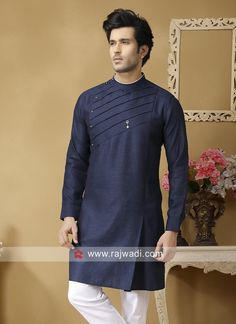 short kurta for mens Gents Kurta Design, Boys Kurta Design, Kurta Neck Design, Wedding Kurta For Men, Wedding Dresses Men Indian, Wedding Blazers, Pakistani Dresses, Kurta Pajama Men, Kurta Men