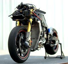 Yamaha YZR-M1 tamiya 1:12