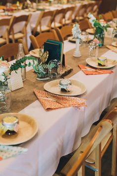 scrqppy napkins and \ wood\  paper plates...burlap runner is ... & Use disposable bamboo plates for apps and dessert. Verterra makes ...