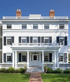 Topping Rose House in Bridgehampton, Long Island is The Hamptons' first and only full service luxury hotel and restaurant. Warm Vacation Spots, Topping Rose House, New York Wedding Venues, Long Island Ny, Fire Island, Design Blog, Design Art, White Houses, Best Hotels