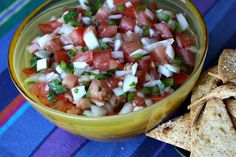 salsa fresca (aka, pico de gallo) such a fantastic summer farmer's market treat! I make this frequently! Very delish! Great Recipes, Favorite Recipes, Healthy Recipes, Delicious Recipes, Yummy Food, Salsa Fresca Recipe, Cilantro, Fresco, Sauces