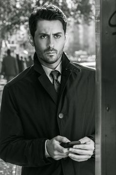 Andy Bean who plays Greg Knox on Power. I'm sorry but I like Greg! A lot of folks don't but he's just heartbroken. Angela did him dirty. He's a cutie pie I think! Pretty Men, Beautiful Men, Power Tv Show, Power Starz, Bad Friends, Best Series, Attractive Men, Comedians, Beans