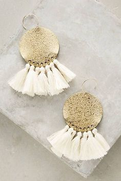 Catchpenny and Accesories - . - 7 Tips to combine catchpenny and accesories Tassel Jewelry, Diy Jewelry, Jewelery, Jewelry Accessories, Handmade Jewelry, Fashion Jewelry, Jewelry Design, Jewelry Making, Beaded Necklaces