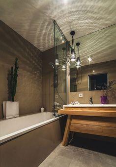 foorni.pl | Apartament pełen faktur, wanna z prysznicem