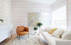 Pokoj pro hosty může sloužit i jako druhý obývací pokoj pro sledování televize.