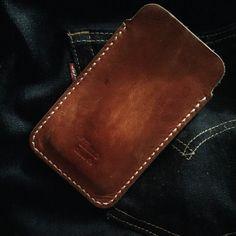 My iPhone6 sleeve / Mi funda de iphone6 #leather #vscocam #timogoods #directfrommaker #handmade #iphone6