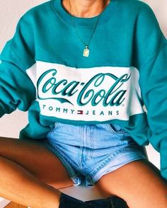 Find images and videos about fashion, style and outfit on We Heart It - the app to get lost in what you love. Teen Fashion Outfits, Retro Outfits, Look Fashion, Trendy Outfits, Fall Outfits, Vintage Outfits, Summer Outfits, Fashion Pics, Mode Ootd
