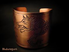 Artizan in cupru Copper Artwork, Moscow Mule Mugs, Cuff Bracelets, Artisan, Deviantart, Tableware, Handmade, Jewelry, Clipuri Video