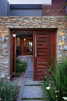 The different kinds of gate designs we can make are endless. Chat to our consultants about the style of gate you want. Whatever size or shape of wooden gate you envision, we are adept at materialising the perfect concept of what you have in mind.