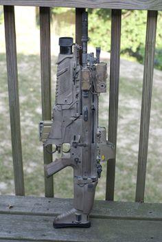 SCAR-H. Has FN EGLM = Enhanced Grenade Launcher Module - a cutting edge grenade launcher. Something else to go on my wishlist