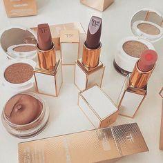 Imagen de lipstick, makeup, and cosmetics