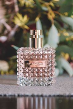 Buy Valentino Donna Eau de Parfum from our Women's Perfume range at Perfume Direct. Parfum Chanel, Best Perfume, Perfume Scents, Fragrance Parfum, Perfume Store, Perfume Bottles, Perfume Collection, Beauty Makeup, Body Spray