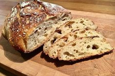 Pane pugliese con lievito madre von slowfooder_Günni | Chefkoch Sourdough Bread, Snacks, Bread Recipes, Bakery, Cooking, Breakfast, Food, Tags, Pastries