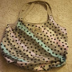 Bongo star print hobo bag. Bongo star print multi colored gray hobo bag. Large. Comfortable and fits a lot of stuff. Bags Hobos