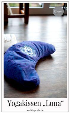 Meditation Pillow, Yoga Meditation, Yoga Bolster, Sewing Pillows, Yoga Fashion, Bean Bag Chair, Sewing Patterns, Blog, Crafts