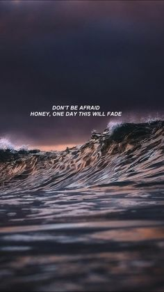 Do not be afraid darling, one day it will disappear - Background Quote Backgrounds, Cute Wallpaper Backgrounds, Cute Wallpapers, Aesthetic Pastel Wallpaper, Aesthetic Wallpapers, Tweet Quotes, Mood Quotes, Sad Wallpaper, Heartbreak Wallpaper