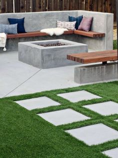 You possibly can make your home far more particular with backyard patio designs. You are able to turn your backyard in to a state like your dreams. You will not have any trouble at this time with backyard patio ideas. Backyard Seating, Backyard Patio Designs, Fire Pit Backyard, Backyard Ideas, Patio Ideas, Garden Seating, Backyard Fireplace, Cozy Backyard, Backyard Gazebo