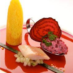 geräucherter-gebirgsforelle-auf-rote-beete-tartar