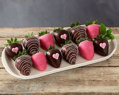 Valentine's day Chocolate Dipped Strawberries at Gift Baskets ETC Homemade Chocolate, Melting Chocolate, Chocolate Nutella, Giant Strawberry, Strawberry Recipes, Valentines Day Chocolates, Valentines Day Treats, Valentine Day Love, Buttercream Frosting