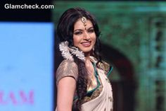 Bhagyashree in Beige and Blue Vikram Phadnis Sari Flower Hairstyles, Vikram Phadnis, Half Saree, Flowers In Hair, Fascinator, Bollywood, Braids, Hair Accessories, Sari