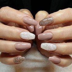 Znalezione obrazy dla zapytania glitter chrome nails
