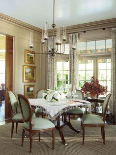 Design: Southern Living 2010 Georgia Idea House, Hearth & Home Interiors. Green Dining Room, Dining Room Design, Dining Area, Dining Rooms, Round Dining, Dining Table, Dining Chairs, Southern Living Homes, Dining Room Inspiration