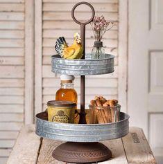 Shabby Chic Vintage, Vintage Home Decor, Vintage Metal, Antique Decor, Antique Items, Vintage Kitchen, French Vintage, Diy Rustic Decor, Modern Decor