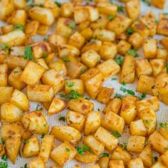 My Easy Breakfast Potatoes are crispy and flavorful on the outside, tender and fluffy on the inside. Made easily in your oven, these breakfast potatoes are a perfect side dish for any meal! Breakfast Potatoes Easy, Chicken Nachos, Chicken Penne, Chicken Casserole, Chicken Salad, Fettucine Alfredo, Crispy Baked Chicken, Four, The Fresh
