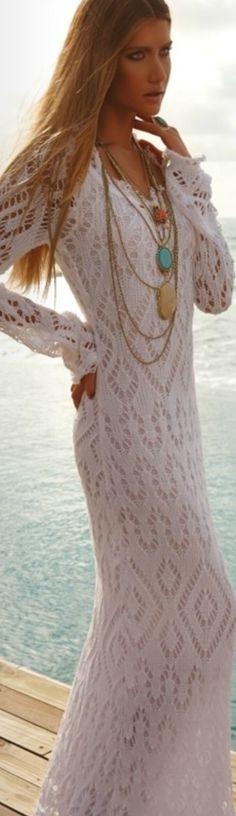 HERMOSOS VESTIDOS LARGOS DE CROCHET, ENCAJE PARA ESTA PRIMAVERA-VERANO 2015 Hola Chicas!!! Los vestidos largos para la primavera-verano 2015, tengo una galeria de fotografías con hermosos vestidos largos en crochet y encanje, con los que estarás super femenina y sexy para cualquier ocasion, como una fiesta en la playa ir a bailar, todos me encantaron y se que a ti tambien te gustaran!!!