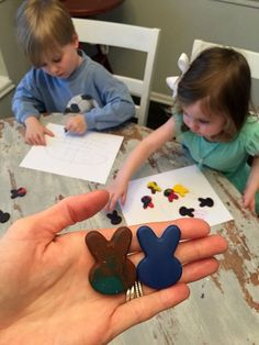Easy easter rabbit craft that also makes a great Easter basket gift. This is very fun activity because you can make crayons out of old crayons!