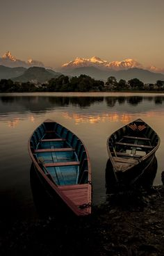 The beautiful Fewa Lake which offer the best sunset spot in Nepal! If you're a sunset chaser, Pokhara is the best place in Nepal to go! Nepal, Beautiful World, Beautiful Places, Beautiful Sunset, Adventure Is Out There, Oh The Places You'll Go, Belle Photo, The Great Outdoors, Wonders Of The World