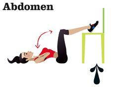 ¡Ejercita tu abdomen usando una silla! Acuéstate boca arriba en el piso y pon las piernas en forma de escuadra sobre la silla. Cruza tus brazos y colócalos sobre el pecho. Eleva y empuja el torso hacia las rodillas.