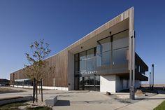 Saltwater Coast Lifestyle Centre / NH Architecture (13)