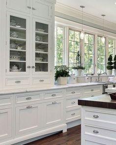 "33 Likes, 1 Comments - Build Prestige Homes (@build_prestige_homes) on Instagram: ""#white #country #kitchen #butchersblock #builtin #hutch Photo source: @pinterest ✔️"""