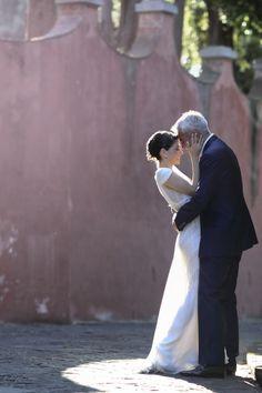 Romantic Villa la Vedetta wedding: http://www.stylemepretty.com/little-black-book-blog/2014/06/17/romantic-villa-la-vedetta-wedding/ | Photography: http://www.davidbastianoni.com/