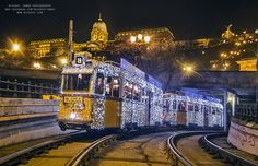 Magical photographs of Budapest at Christmas time by Rizsavi Tamás Malta Bus, Budapest Christmas, Bored Panda, Holiday Travel, Hungary, Places To Travel, Christmas Time, The Good Place, Pop Culture