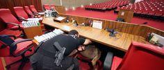 InfoNavWeb                       Informação, Notícias,Videos, Diversão, Games e Tecnologia.  : Esquadrão antibombas fez varredura em plenário do ...