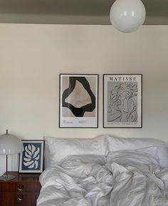 Interior Design Living Room, Living Room Designs, Desenio Posters, Aesthetic Bedroom, Luxury Homes Interior, Luxurious Bedrooms, Living Room Modern, My New Room, Vintage Home Decor