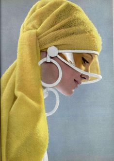 Space Age Mode - a retrospective - Dresses for Women 1969 Fashion, Moda Fashion, Fashion Week, Retro Fashion, Fashion Models, Street Fashion, Vintage Fashion, Womens Fashion, Sixties Fashion