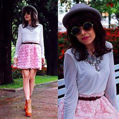 """Rose Lilly"" by Priscila Diniz"