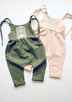 new ideas fashion kids clothes jumpsuits Fashion Kids, Baby Girl Fashion, Toddler Fashion, Fashion Clothes, Fashion Accessories, Baby Outfits, Kids Outfits, Vêtement Harris Tweed, Lace Jumpsuit