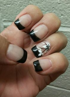 Carmen moreno ongles gel french, black nails, white nails, black and white nail Get Nails, Hair And Nails, Hawaiian Nails, Toe Nail Designs, Nails Design, French Tip Nails, Super Nails, Fabulous Nails, Flower Nails