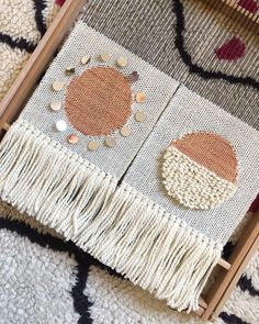 Idea: a series of wall-hangings with the moon phases Weaving Loom Diy, Weaving Art, Tapestry Weaving, Hand Weaving, Weaving Textiles, Weaving Patterns, Weaving Projects, Cardboard Crafts, Tear