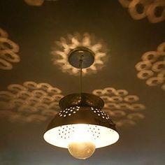 Luminária com escorredor de massa