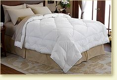 I am a hot sleeper, love lightweight comforters this Light Warmth Deluxe Comforter would sure do the trick for me